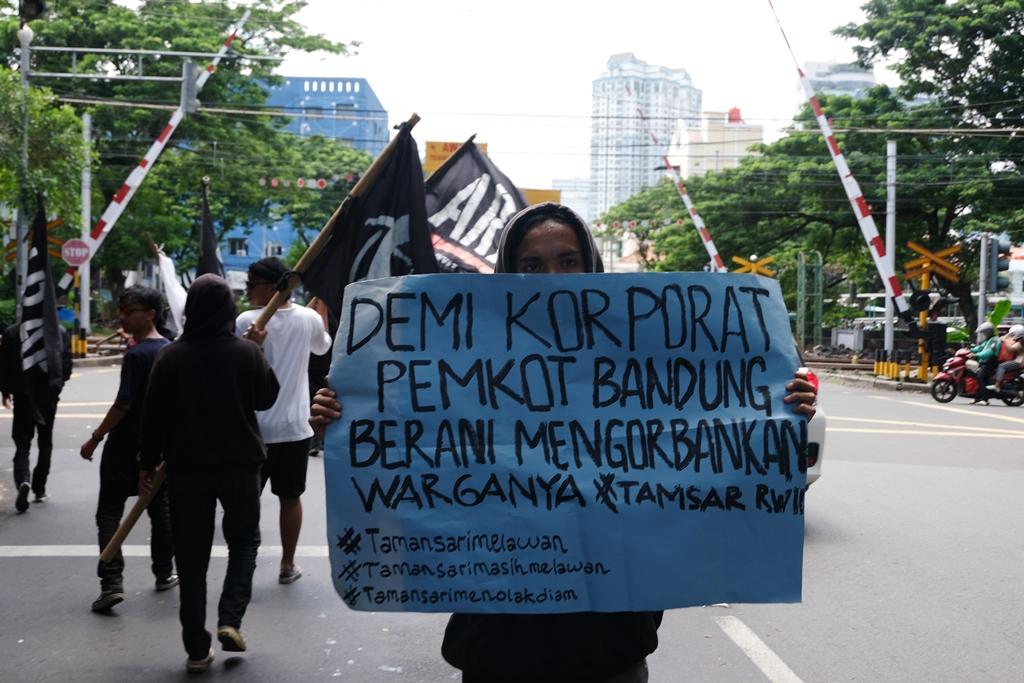 HARI KE-EMPAT TAMANSARI GERUDUK JAKARTA